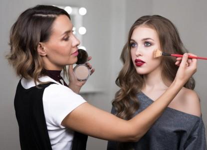 Τι πρέπει να περιέχει η βαλίτσα ενός Makeup Artist